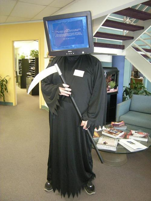 blue screen of death costume
